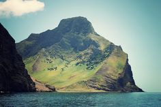 Róbinson Crusoe Island, Chile: Alexander Selkirk spent six years marooned here, inspiration for Robinson Crusoe. Oh The Places You'll Go, Places To Travel, Places To Visit, Travel Destinations, Robinson Crusoe Island, Cap Horn, Beautiful World, Beautiful Places, Juan Fernandez