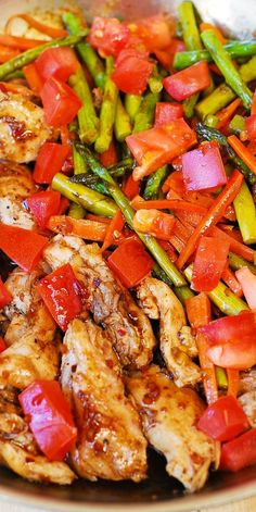 Balsamic Chicken with Asparagus and Tomatoes delicious healthy low fat low cholesterol low calorie meal packed with fiber vegetables and protein chicken Healthy Cooking, Healthy Eating, Cooking Recipes, Healthy Low Fat Meals, Healthy Protein, Dinner Healthy, Healthy Summer, Balsamic Chicken, Sweets