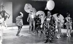Sirkus Papukaija -ohjelma sai lapset perustamaan Papukaija-kerhoja.