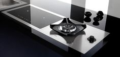 PIANO INDUZIONE STELLARE</br>L'innovazione in cucina si veste di eleganza