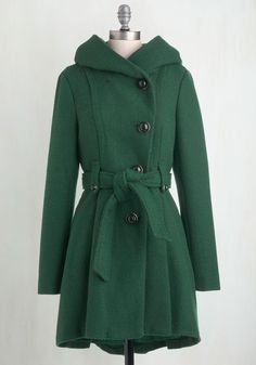Like a storybook romance, elegant details join together on this Steve Madden coat with loveable style. From its cape-inspired neckline and shiny black bubble buttons, to its chic pleats and woven texture, this forest green coat is a fairytale-come-true! Green Winter Coat, Green Coat, Green Jacket, Fit And Flare Coat, Vintage Coat, Retro Vintage, Vintage Ideas, Vintage Designs, Vintage Style