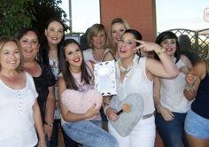 Despedida de soltera en Málaga, celebrando una bonita Beauty Party. http://prettyday.es/es/n117-maquillaje-para-todas