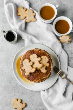 Sweet, wholesome, Healthy Gingerbread Oatmeal Pancakes recipe that's perfect for this holiday season! Made with rolled oats, yogurt, and banana (gluten free). Serve for holiday brunch or freeze for easy breakfast meals throughout the week! Healthy Desserts, Healthy Dinner Recipes, Whole Food Recipes, Breakfast Recipes, Dessert Recipes, Healthy Breakfasts, Brunch Recipes, Oatmeal Pancakes, Pancakes And Waffles