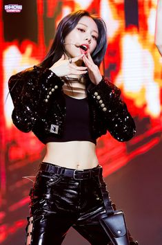 Kpop Girl Groups, Korean Girl Groups, Kpop Girls, Stage Outfits, Dance Outfits, Beautiful Asian Girls, New Girl, South Korean Girls, Rose