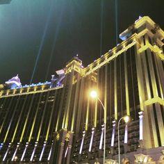 """realeyes18: """"#マカオ #カジノ #lastnight  #happy  #ギャラクシーマカオ #casino #海外旅行 #macau #澳門 #ライトアップ"""""""