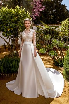 Wedding Dress by María Salas Novias (ABIÑA) # … - Wedding Dresses 2019 Best Brindal Wedding Dress Trends, Princess Wedding Dresses, Modest Wedding Dresses, Elegant Wedding Dress, Wedding Gowns, Traditional Gowns, Bridal Skirts, Satin Bridesmaid Dresses, Weeding Dress
