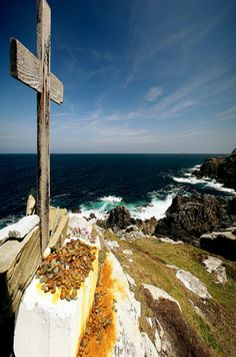 Go Visit Donegal: Malin Head goes Green for St Patrick's Day Donegal, Go Green, St Patrick, Worlds Largest, Ireland, Places To Visit, In This Moment, Water, Outdoor