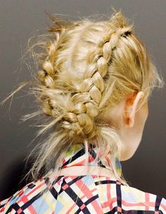 5 Sporty Braids Perfect for Any Super Bowl Party via @ByrdieBeauty