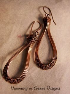 Copper hoops with a touch of weave . By Dreaming in Copper Designs, Sandra Garrigus Wire Jewelry Earrings, Copper Wire Jewelry, Wire Jewelry Designs, Rustic Jewelry, Wire Wrapped Earrings, Copper Earrings, Jewelery, Homemade Jewelry, Wire Weaving