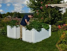 sustainable garden beds - Keyhole Garden Kit
