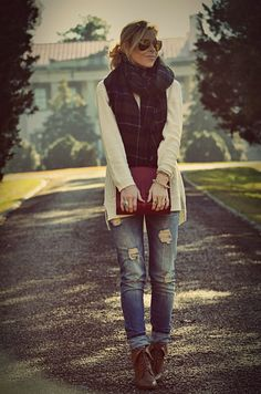 This looks like the perfect outfit for fall; however, I would just prefer an endless summer! :(