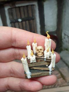 Halloween Shadow Box, Halloween Clay, Halloween Fairy, Halloween Miniatures, Halloween Village, Fall Halloween, Halloween Crafts, Halloween Decorations, Haunted Dollhouse