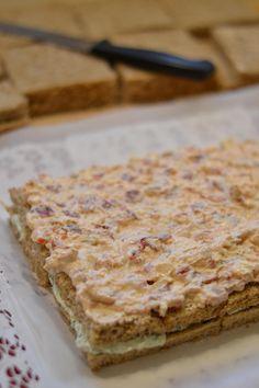 Tzazikivoileipäkakku – Keittiössä, kotona ja puutarhassa   Meillä kotona Tzatziki, Feta, Food And Drink, Bread, Bakeries, Breads