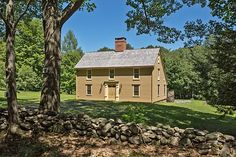 Antique Homes:  Antique Homes: Early New England Colonial Saltbox, c. 1775