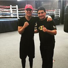 「@jessievargas_ will be trained by Erik Morales from today on for the @timbradleyjr fight! What's your thoughts!?」