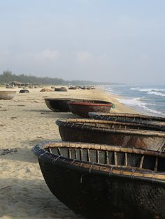 Hoi An Basket Boat - Sibella Court Deze bootjes worden tegenwoordig nog gebruikt door vissers. #3TBBC #NHTV