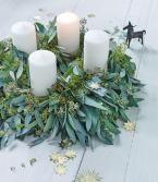 Selbstgebundener Adventskranz aus Eukalyptus