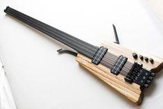Poznysh Headless Fretless 4 string bass
