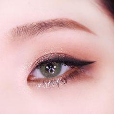 make up looks natural asian Korean Makeup Look, Korean Makeup Tips, Asian Eye Makeup, Korean Makeup Tutorials, Makeup Trends, Makeup Inspo, Makeup Inspiration, Beauty Makeup, Cute Makeup