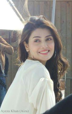 Looking beautiful as ever Ayeza Khan Pakistani Models, Pakistani Actress, Bollywood Actress, Pakistani Girls Pic, Pakistani Bridal, Pakistani Dresses, Beauty Full Girl, Beauty Women, Beautiful Indian Actress