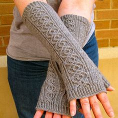 Mitenki - Knitting Pattern for Totally Cabled Fingerless Gloves - These fingerless mitts feature two distinct cables, as well as one twisted stitch. Instructions are written out and charted. Fingerless Gloves Knitted, Crochet Gloves, Knit Mittens, Knit Crochet, Crochet Socks, Crochet Granny, Loom Knitting, Knitting Patterns Free, Free Knitting