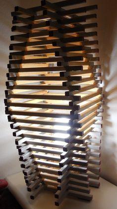 lampada fatta da mia figlia Silvia con bastoncini di legno