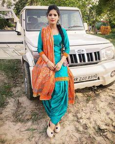 Patiala Salwar, Beauty Full Girl, Punjabi Suits, Sari, Beautiful, Instagram, Fashion, Saree, Moda