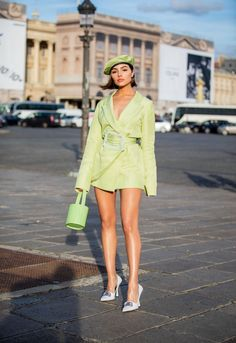 Olivia Culpo poses up a storm in dazzling sheer mini dress i.- Olivia Culpo poses up a storm in dazzling sheer mini dress in Paris Olivia Culpo poses up a storm in dazzling sheer mini dress with feather accents in Paris Fashion 2020, Look Fashion, Paris Fashion, Runway Fashion, High Fashion, Womens Fashion, Classy Fashion, Unique Fashion Style, Korean Fashion