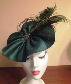 Tocados Ana Vez and Hats Couture Diseños exclusivos con los mejores materiales.