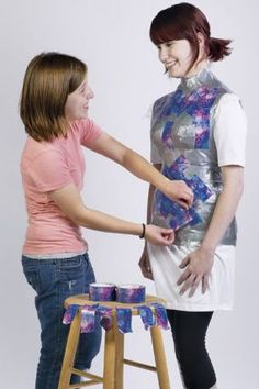 Pretty Colored Duct Tape --- To Create a Custom Dress Form - Threads Magazine Sewing Hacks, Sewing Tutorials, Sewing Patterns, Sewing Projects, Sewing Clothes, Diy Clothes, Duct Tape Dress, Robe Diy, Manequin