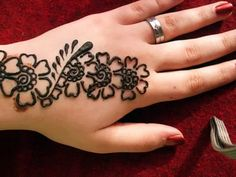 Cute Beginner Henna Designs For Kids Mehendi Designs For Kids, Cute Henna Designs, Simple Arabic Mehndi Designs, Mehndi Designs For Beginners, Mehndi Simple, Latest Mehndi Designs, Henna Tattoo Designs, Simple Henna Tattoo, Mehndi Design Pictures