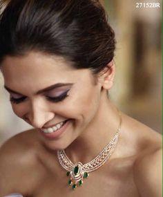 [PICS-6] Deepika Padukone for Tanishq's #QueenOfHearts collection