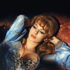 """Michèle Mercier, l'inoubliable marquise des Anges (ici, dans """"Angélique et le roi"""", de Bernard Borderie, 1966)."""