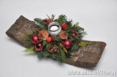 Workshop Kerst Guirlandeboog https://www.bissfloral.nl/blog/2015/09/19/workshop-kerst-guirlandeboog-2/