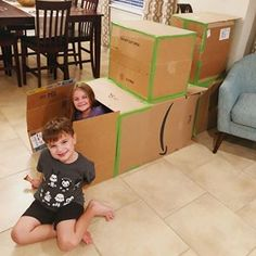 Box fort... #nailedit 📦 . . . . #mommingsohard #amazonboxes #todayshowparents