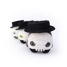 "Sleep two more times until the night of nights! ... are you prepared?  .  crochet pattern ""lalylala 4 seasons HALLOWEEN"" . #lalylaland #lalylala #lalylalapattern #skulldiego #4seasonshalloween #lalylalahalloween #skeletton #sugarskull #crochetersofinstagram #instacrochet #differencemakesus"