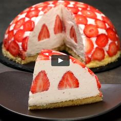 "This is ""Cupola di fragole"" by Al.ta Cucina on Vimeo, the home for high quality videos and the people who love them. Fresh Fruit Desserts, No Bake Desserts, Delicious Desserts, Yummy Food, Tasty, Baking Recipes, Cake Recipes, Dessert Recipes, Sweet Cakes"