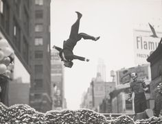 Garry Winogrand - Garry Winogrand: Visions from the Street, Portraits of America | LensCulture