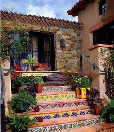 Hacienda Tiled Staircase-great way to add a little funk to plain on boring stairs Spanish Style Homes, Spanish House, Spanish Revival, Spanish Patio, Mexican Style Homes, Hacienda Style Homes, Spanish Colonial Houses, Mexican Style Decor, Hacienda Kitchen