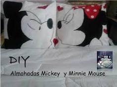 mimi y mickey mouse besandose - Buscar con Google