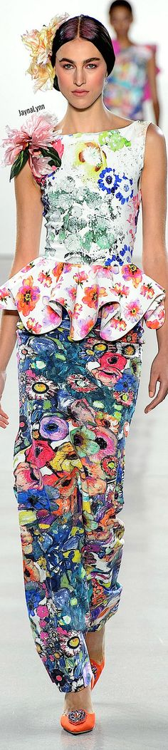 Chiara Boni La Petite RTW Spring 2019 Floral Fashion, Travel Style, Peplum Dress, Spring, My Style, Casual, How To Wear, Blue, Fashion Trends
