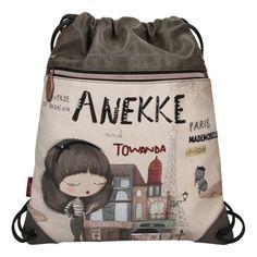 Nejste fanynkou vyztužených batohů? Potom pro vás má španělská značka Anekke to pravé, a to praktický stahovací vak se stylovým zdobením. Vak je ideálním parťákem pro volnočasové aktivity, nákupy nebo třeba výlety! #anekke #differentcz #damskebatohy Couture, Backpacks, Paris, Fashion, Moda, Montmartre Paris, Fashion Styles, Backpack, Paris France
