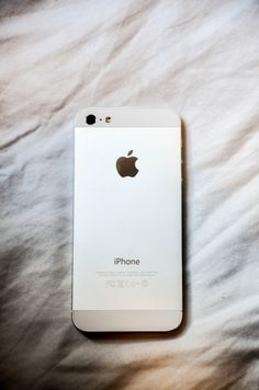Get an Iphone Iphone Texts, Iphone 5s, Apple Iphone, Nouvel Iphone, Computer Headphones, Apple Inc, White Iphone, Ipod Cases, Travel Makeup