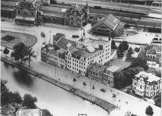 Groningen<br />De stad Groningen: Luchtfoto Emmasingel en Stationsplein, ca 1940