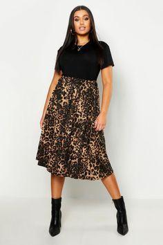 Plus Jersey Animal Print Midi Skater Skirt - Curvy Women Styles Plus Size Skirts, Plus Size Outfits, Plus Size Fashion For Women, Plus Size Women, Midi Skater Skirt, Midi Skirts, Heidi Klum, Mi Long, Plus Size Clothing