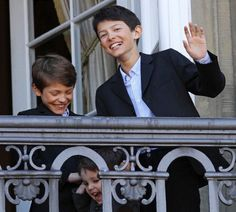 Danish Prince Felix (L), his brother Prince Nikolai and their half-brother Prince Henrik (front) stand on the balcony of Amalienborg Palace Prince Felix Of Denmark, Princess Alexandra Of Denmark, Denmark Royal Family, Danish Royal Family, The Queens Children, Danish Prince, A Royal Affair, Queen Margrethe Ii, Danish Royalty