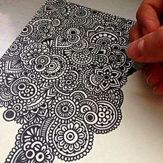 tattoo - mandala - art - design - line - henna - hand - back - sketch - doodle - girl - tat - tats - ink - inked - buddha - spirit - rose - symetric - etnic - inspired - design - sketch Mandala Doodle, Doodles Zentangles, Zen Doodle, Doodle Art, Zantangle Art, Zen Art, Doodle Patterns, Zentangle Patterns, Motif Paisley