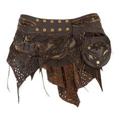 Jupe d'amazone tribale en cuir, coupe déstructurée, avec petite sacoche amovible. Cette jupe tribale a été réalisée artisanalement avec différents cuirs, elle est décorée de rivets bronze.