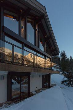chalet 'dag' in chamonix by chevallier architectes