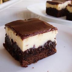 """Cheesecake Topped Brownies 
